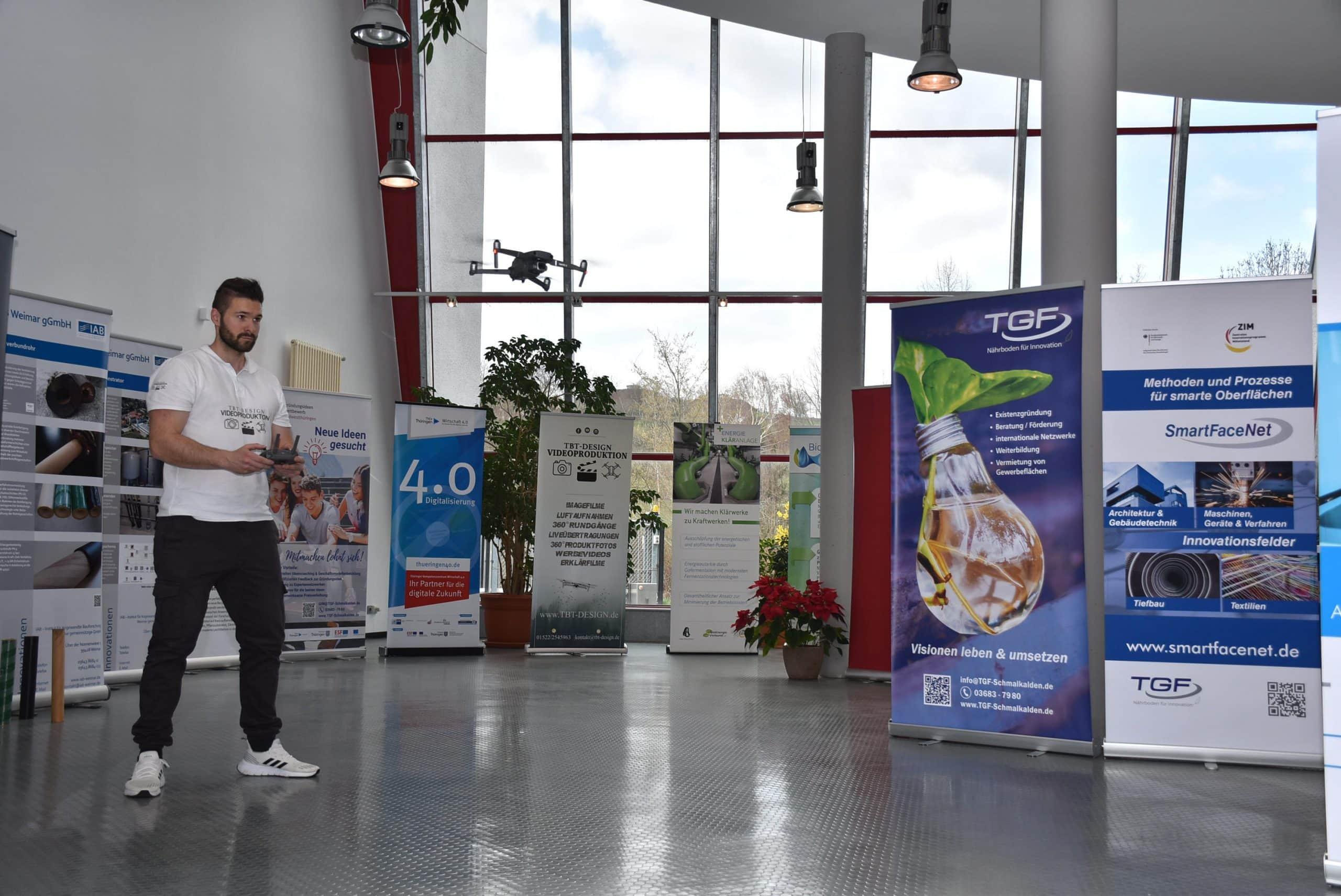 Die Video-Drohne von TBT-Design bei einer Messe